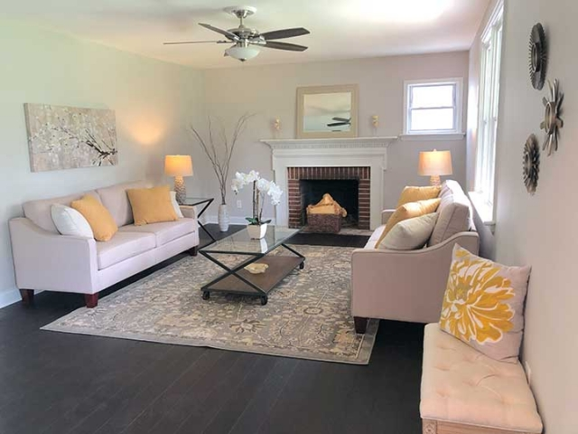 Unique Home Staging gallery – living room